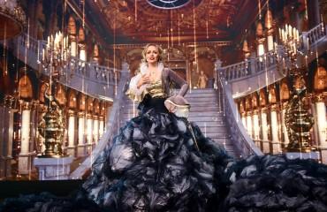 Classic paradox Opera Diva